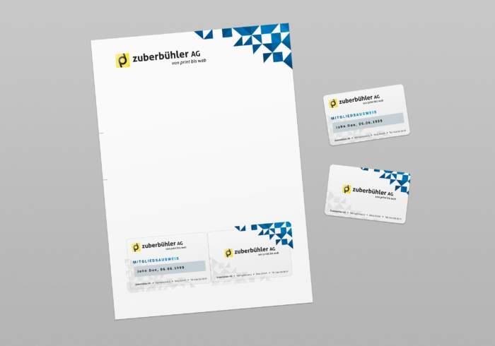 Ausweisformular - Formular mit einem 2-seitig bedruckten Ausweis zum herauslösen